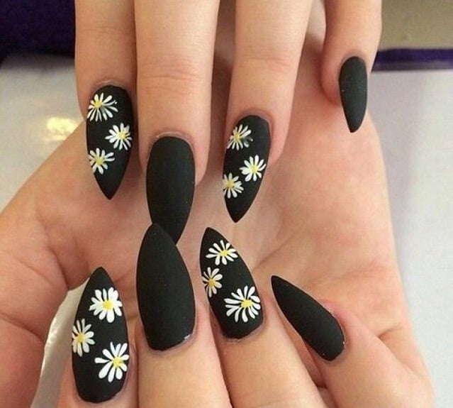 Black&White Flower-nail art designs
