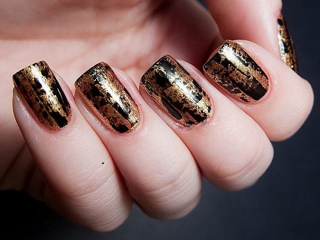 Golden&Black-easy-nail-art