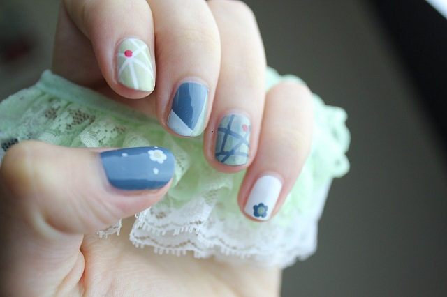 Light Multi Cloro-nail art designs