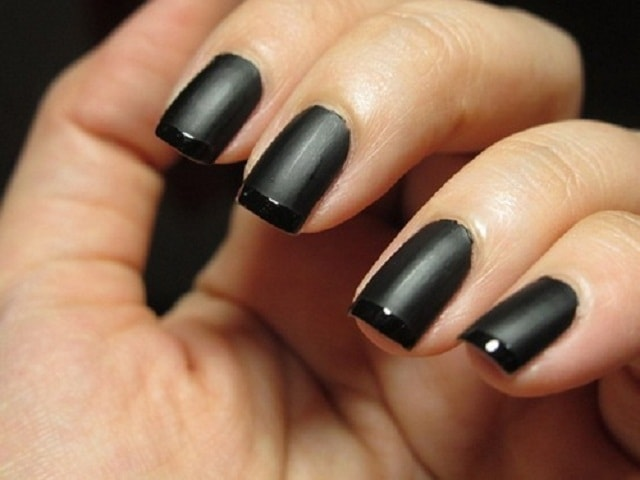 Simple Light Black&Drak Black-nail art design