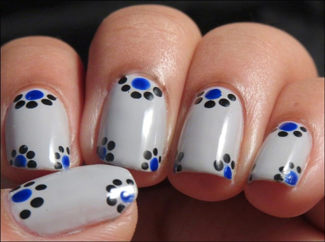 White-Cloro-easy-nail-polish-designs